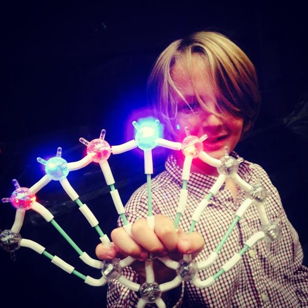Φωτιζόμενο σετ κατασκευών 98 τεμαχίων light up links