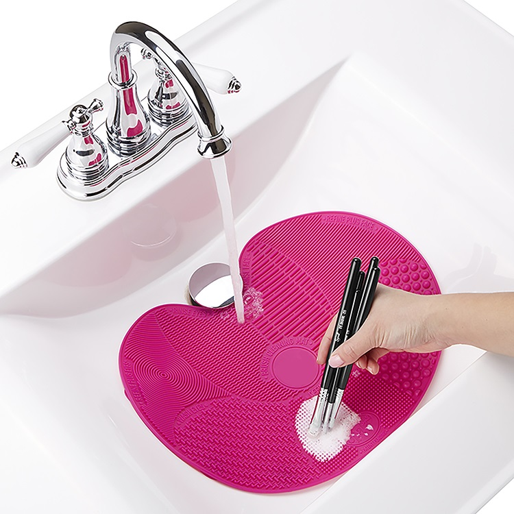 Ανάγλυφη επίπεδη σιλικόνη για τον καθαρισμό πινέλων μακιγιάζ - Φούξια - OEM 52437