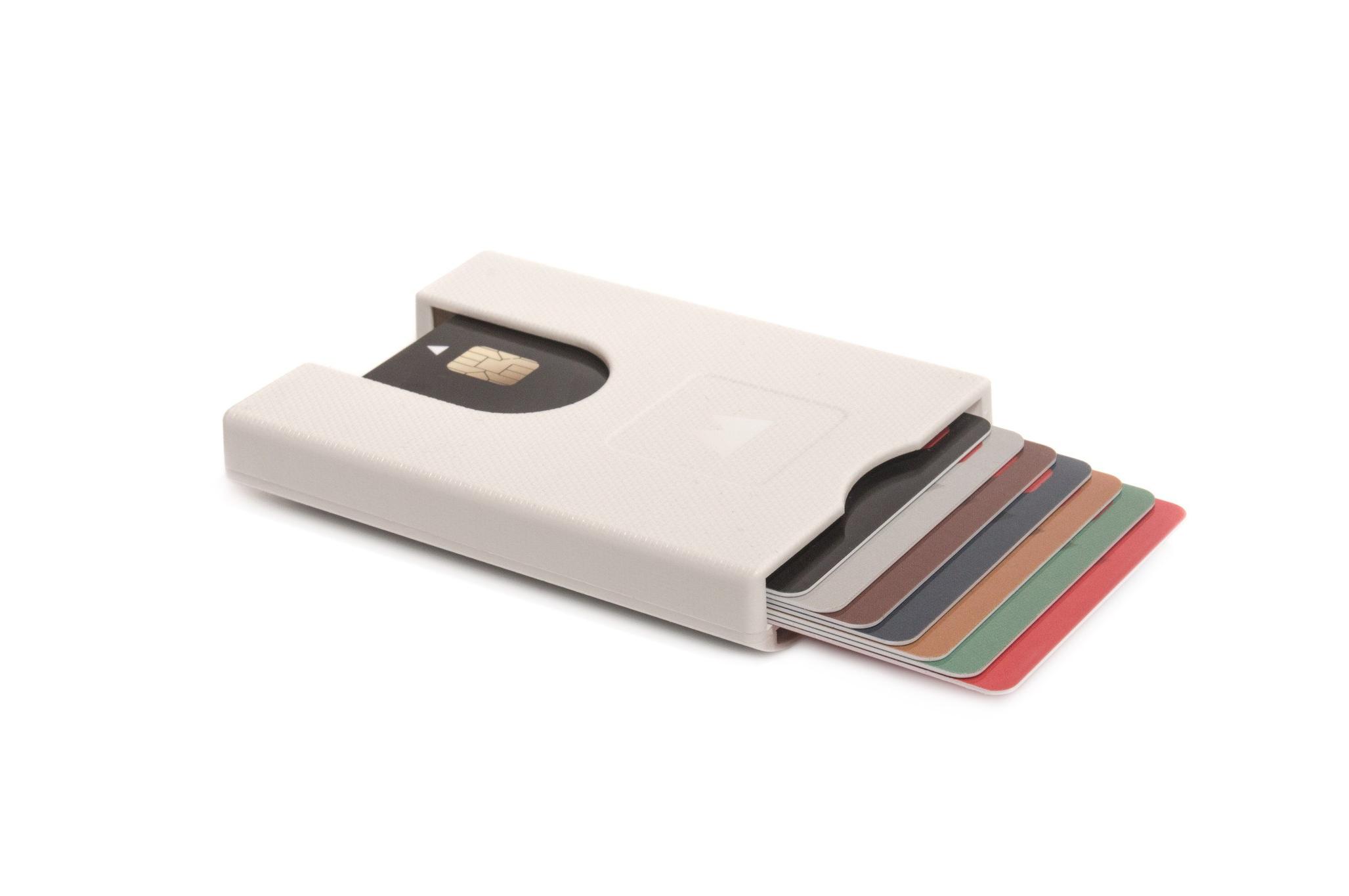 Πορτοφόλι για πιστωτικές κάρτες Walter Wallet True Bright White