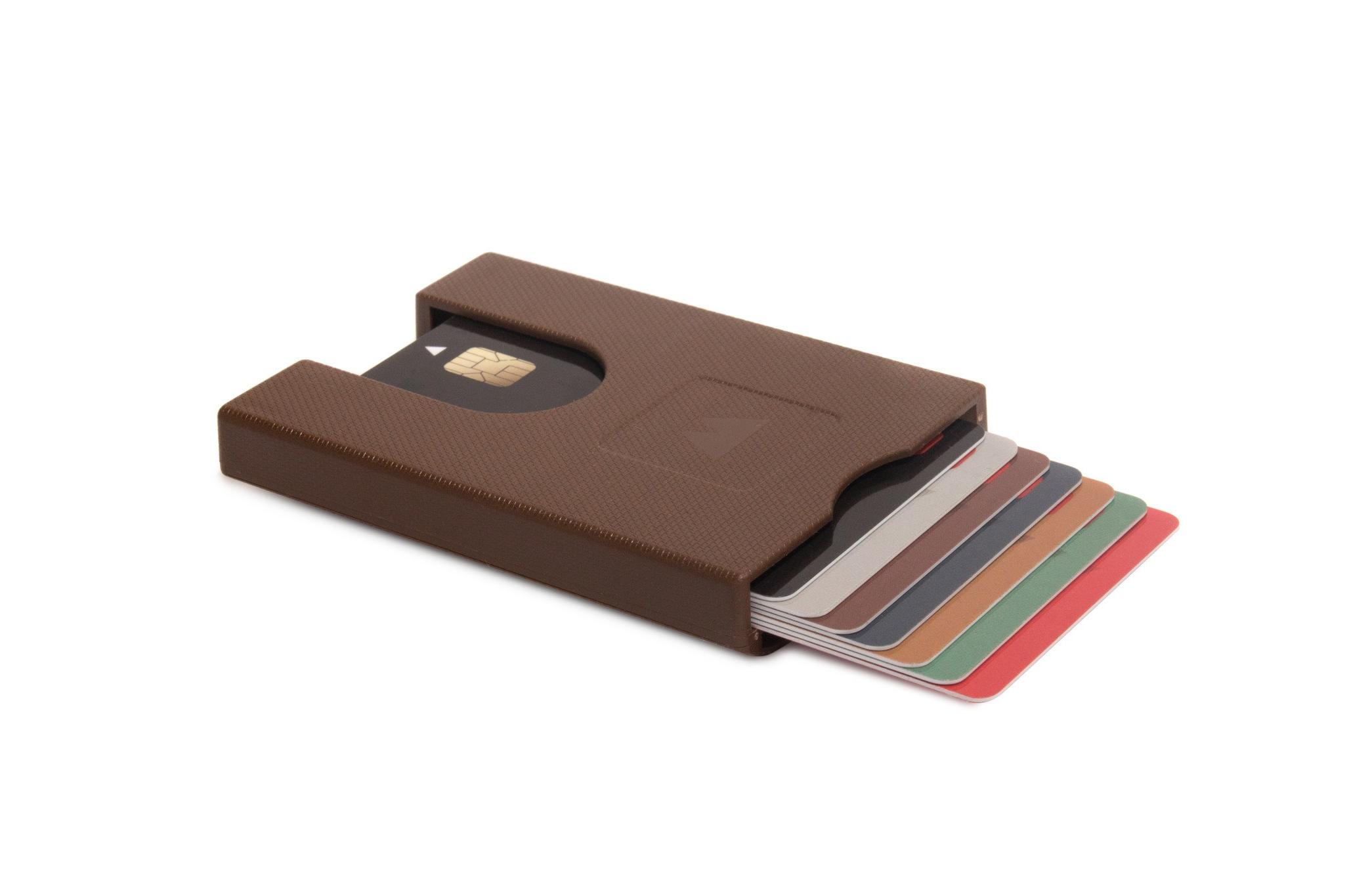 Πορτοφόλι για πιστωτικές κάρτες Walter Wallet True Paper Brown